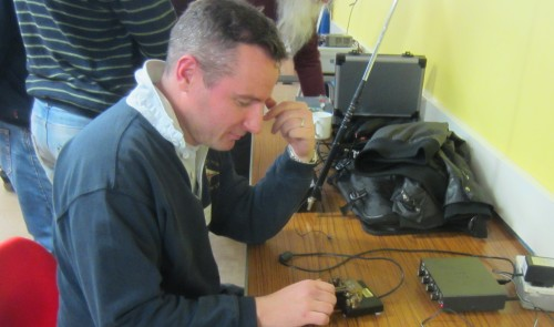 Rob M0KCP calling CQ with a CW paddle