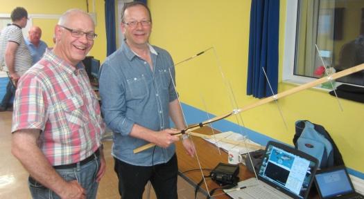 Working the Oscars - Graham, with Steve M0SHQ's satellite kit