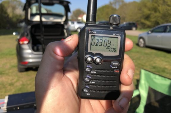 Special guest - a teeny handheld: The Icom IC-E7