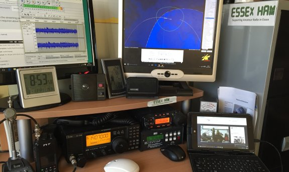 M0PSX shack, listening in to the ISS pass on 09 Jan 16