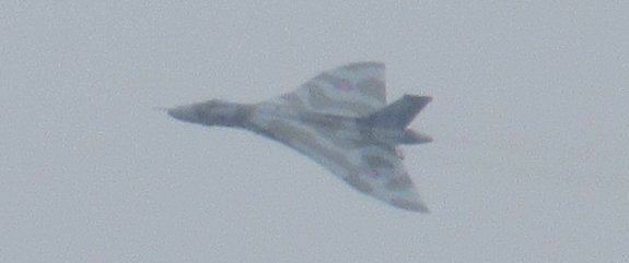 Vulcan XH558 on her final flight to Southend