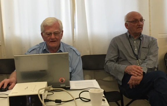Vic G6BHE presenting, with Dave G4UVJ at SEARS April 2015