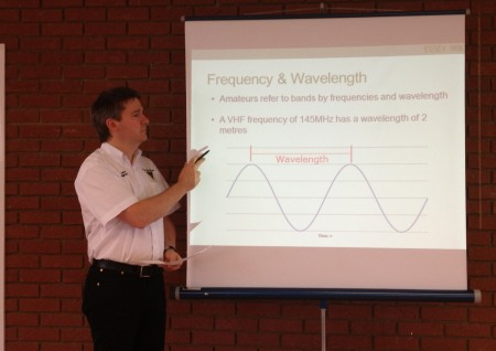 Pete M0PSX teaching frequency and wavelength